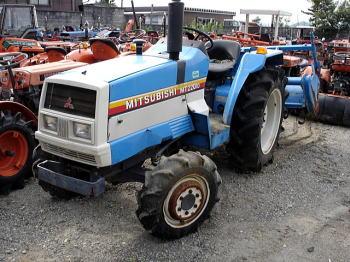 Top Five D2050 Mitsubishi Tractor / Fullservicecircus